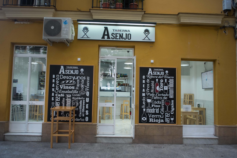 Taberna Asenjo, el templo de los celíacos y el recetario madrileño ...