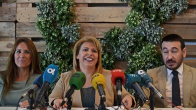 alcaldesa_riendose.jpg