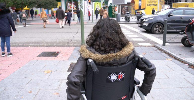 mujer_silla_ruedas.jpg