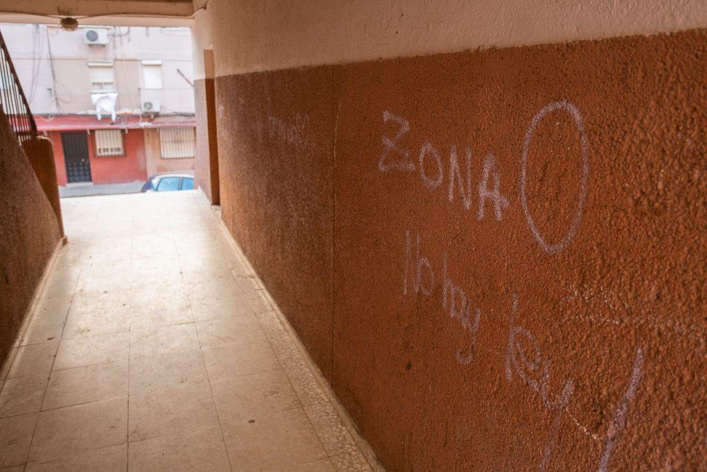 Una pintada en San Juan de Dios. FOTO: MANU GARCÍA